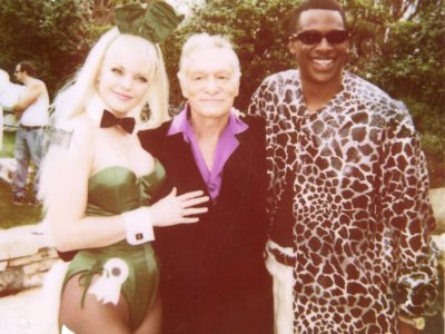 Pauley p Hef and CB at Hef's house on the set of the pilot Smash 2001